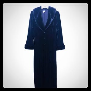 Vintage Black Velour/Faux Fur Duster Robe Elvira?
